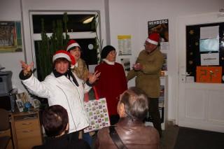 Bildinhalt: Weihnachtliches Kabarett und Weihnachtsfeier im Stadtteilladen Leutzsch  |
