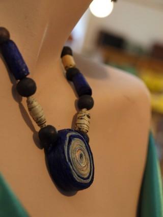 Bildinhalt:  Wintertreiben # 7 - Perlen aus Papier im krimZkrams  |