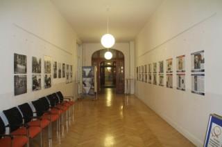 Bildinhalt: Tafelausstellung zur Georg-Schwarz-Straße in der Volkshochschule |