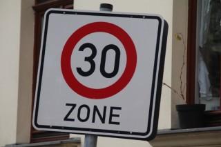 Tempo 30 verringert den Lärm - Diskussion über Geschwindigkeitsbeschränkungen in Georg-Schwarz-Str. |