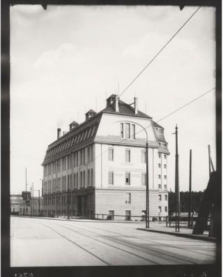 Bildinhalt: Historischer Architekturvortrag über die Georg-Schwarz-Str. 185 | Barneckerstr. 43