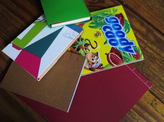 Bildinhalt: Buchbinderkurse im kunZstoffe e.V. | Bücher und Hefte mithilfe des Materials vom krimZkrams gebunden