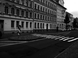 Bildinhalt: Einrichtung Schulweg-Zebrastreifen in der William-Zipperer-Str. durch Stadtbezirksbeirat unterstützt |