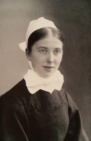 Ein Stolperstein für die Diakonisse Marie Runkel | Die Diakonisse Marie Runkel als junge Schwester um 1910 (Foto: Archiv Diakonissenhaus Leipzig)