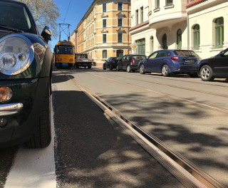 Bildinhalt: Genau markierte Parkplätze vor dem Diakonissenkrankenhaus dank Stadtbezirksbeirat Alt-West |