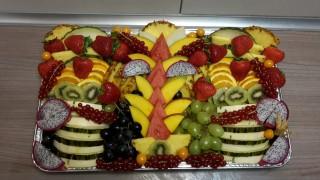 Bildinhalt: DER Obst- und Gemüseladen auf der Georg-Schwarz-Straße | Leckere Obstplatten von Frau Robou