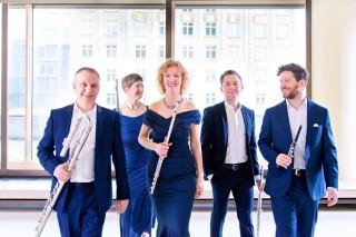 Leutzscher Kunstrasen 2020   Leipziger Querflötenensemble Quintessenz und Günter Schoßböck, Foto Joe Titze